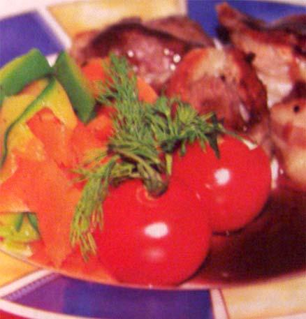 телятина в грудинке в гранатовом соусе