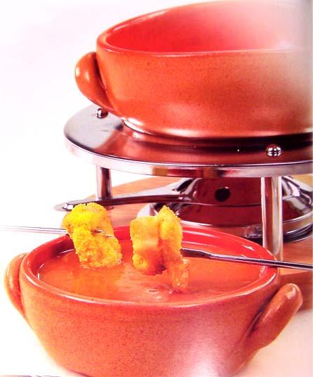 рыбное фондю с арахисовым соусом