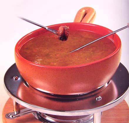 фондю хрустящая утка с соусом из перца