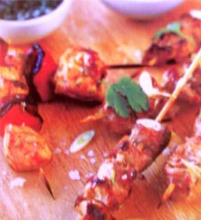 кебаб из курицы и колбасок