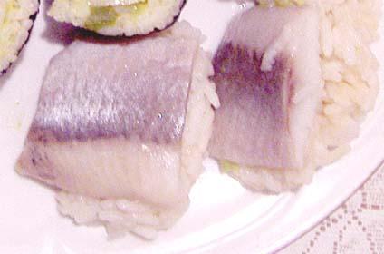 нигири суши с селедкой