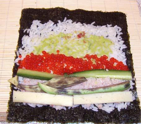 суши с крабами и икрой