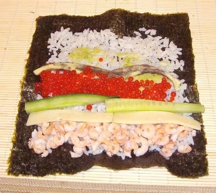 суши с креветками и икрой
