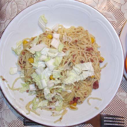 макароны по-флотски с кукурузой и капустой