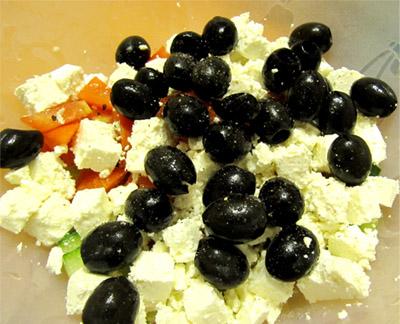 Греческий салат: маслины