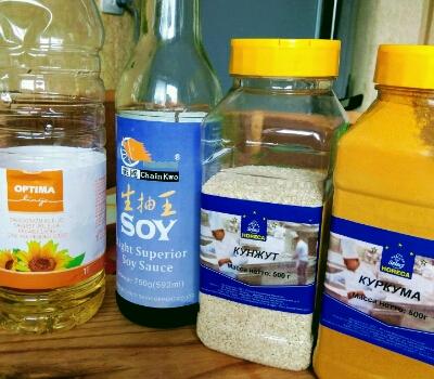 Ингредиенты заправки для овощного салата по-азиатски